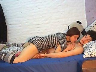 Milf calentona disfruta de buen sexo anal