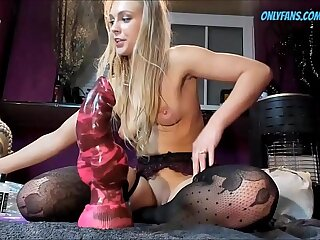 Extreme Stretching with my New Dildo From THEWONDERTOYS.COM