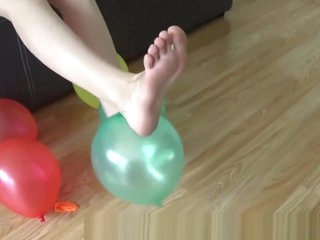 Victoria Wild Fetish Store (VWFS) - Victoria Wild's foot fetish videos